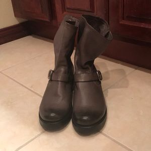 Frye Gray Leather Boots Size-9.5 new!
